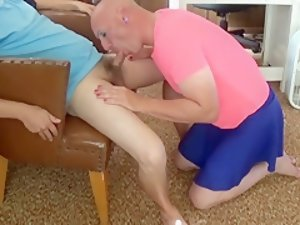 Gay Mike Karacson gives deepthroat blowjob sucks cock Sissy Crossdresser