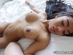 HelloLadyboy Video: Leeya Romance