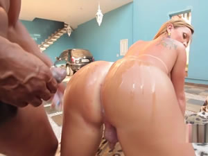 Blonde tranny whore gets BBC - xxx free tube